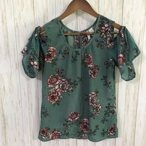 🍋 Japna green floral cold shoulder blouse Medium